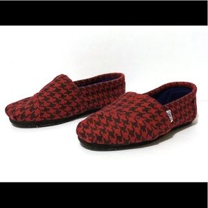 TOMS Houndstooth Woven Red & Black Women's Slip On